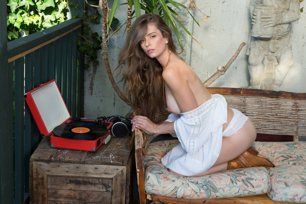 Lauren lee smith hot sex scene