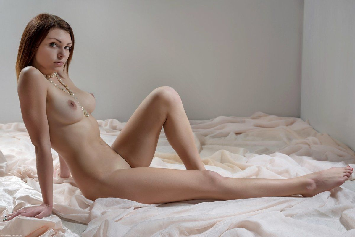 Free sexy naked girls photowatch now
